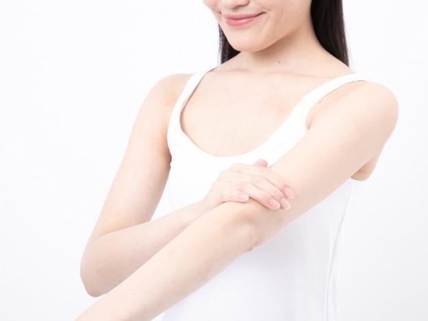 注入後3~4日は幹部の腫れや赤み、かゆみを伴うことがありますが、お日にちと共に改善しますのでご安心ください。内出血が出た場合は1~2週間程で消失します。注入当日は腫れが増す可能性があるため、注入部位のマッサージや浴槽入浴はお控え下さい。注入後4日目より創部をよくマッサージして下さい。手のひらでマッサージすることでメソセラピーの効果を高めます。※肌に負担が掛からないよう保湿クリーム等をご使用下さい。
